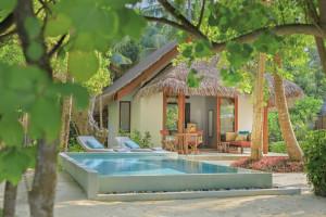 Dusit Thani Maldives_Beach Deluxe Villa With Pool Exterior (3)